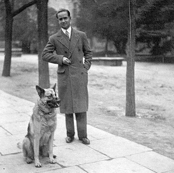 José María Hernández de Garnica em 1928