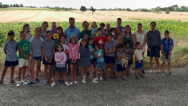 Tres matrimonios y 18 niños de entre 4 y 16 años, camino de la JMJ de Cracovia.