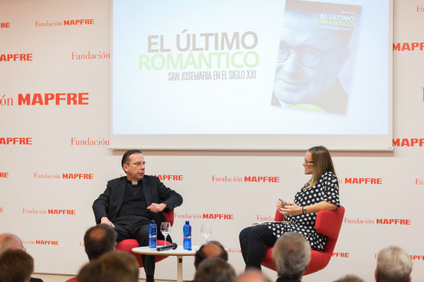 A preguntas de la periodista Isabel Ramis, Fazio abogó por el compromiso del cristiano del siglo XXI por sacar la sociedad adelante.