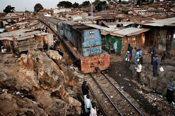 Kibera es el mayor 'slum' de África en el que viven en condiciones de extrema pobreza más de un millón de personas.