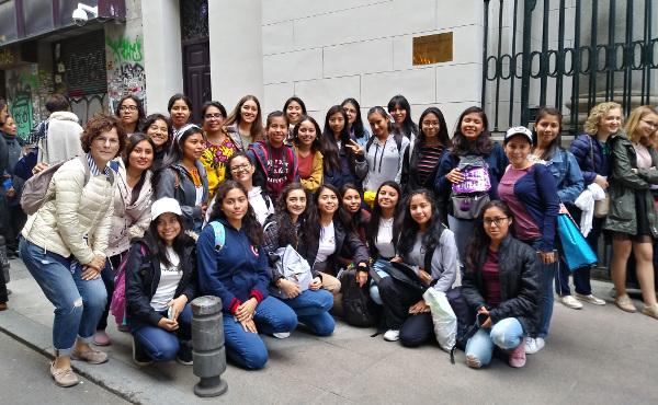 El grupo de estudiantes del colegio Montefalco.