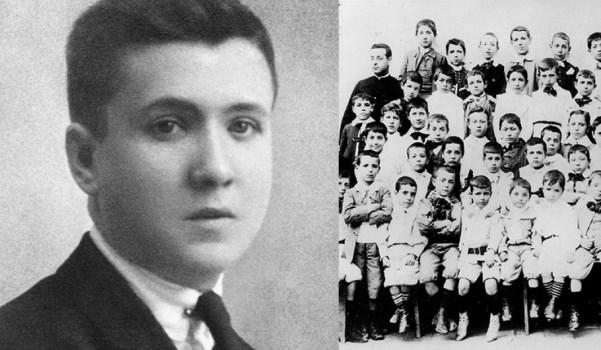 Den hellige Josemaría som elev, med et bilde av klassen hans ved piaristbrødrenes skole i Barbastro.