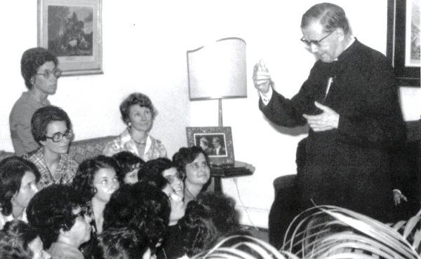 25 de mayo de 1974, tertulia en el Centro Cultural Rio Claro (Brasil).