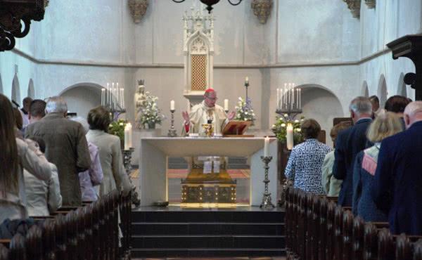 Kardinaal Eijk was op zaterdag 23 juni hoofdcelebrant in de Catharinakathedraal in Utrecht.