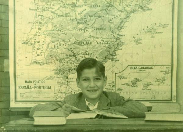 Don Javier Echevarría, en sus años de estudiante.