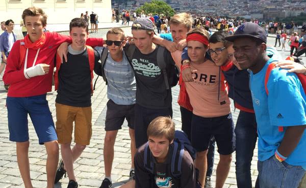 Een deel van de groep te Praag