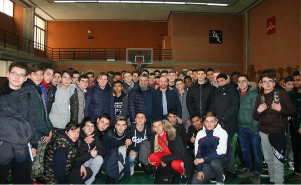 Il campione olimpico Yuri Chechi in visita al Centro ELIS.