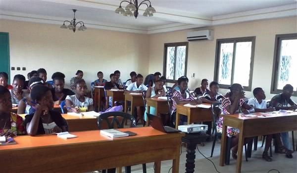 Participantes à la conférence