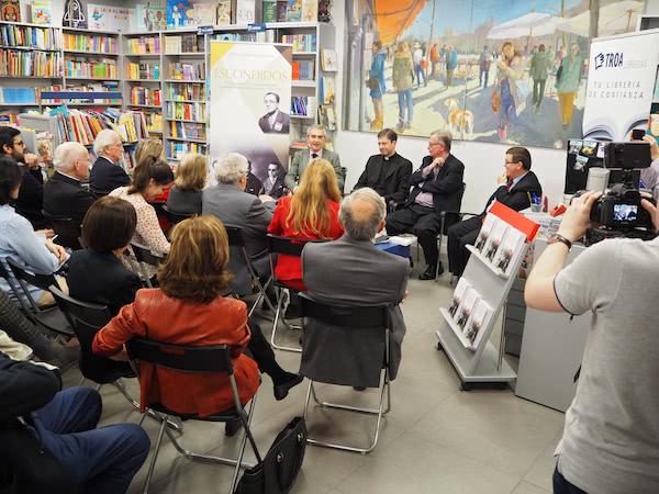 Presentación en Neblí (Troa Librerías).
