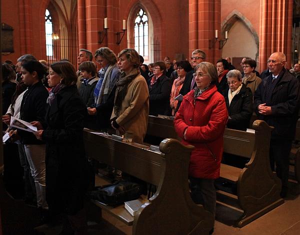 Die Heilige Messe im Frankfurter Dom St. Bartholomäus