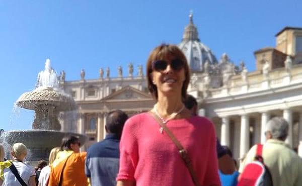 En la plaza de san Pedro, el día que escuchó al Papa Francisco.