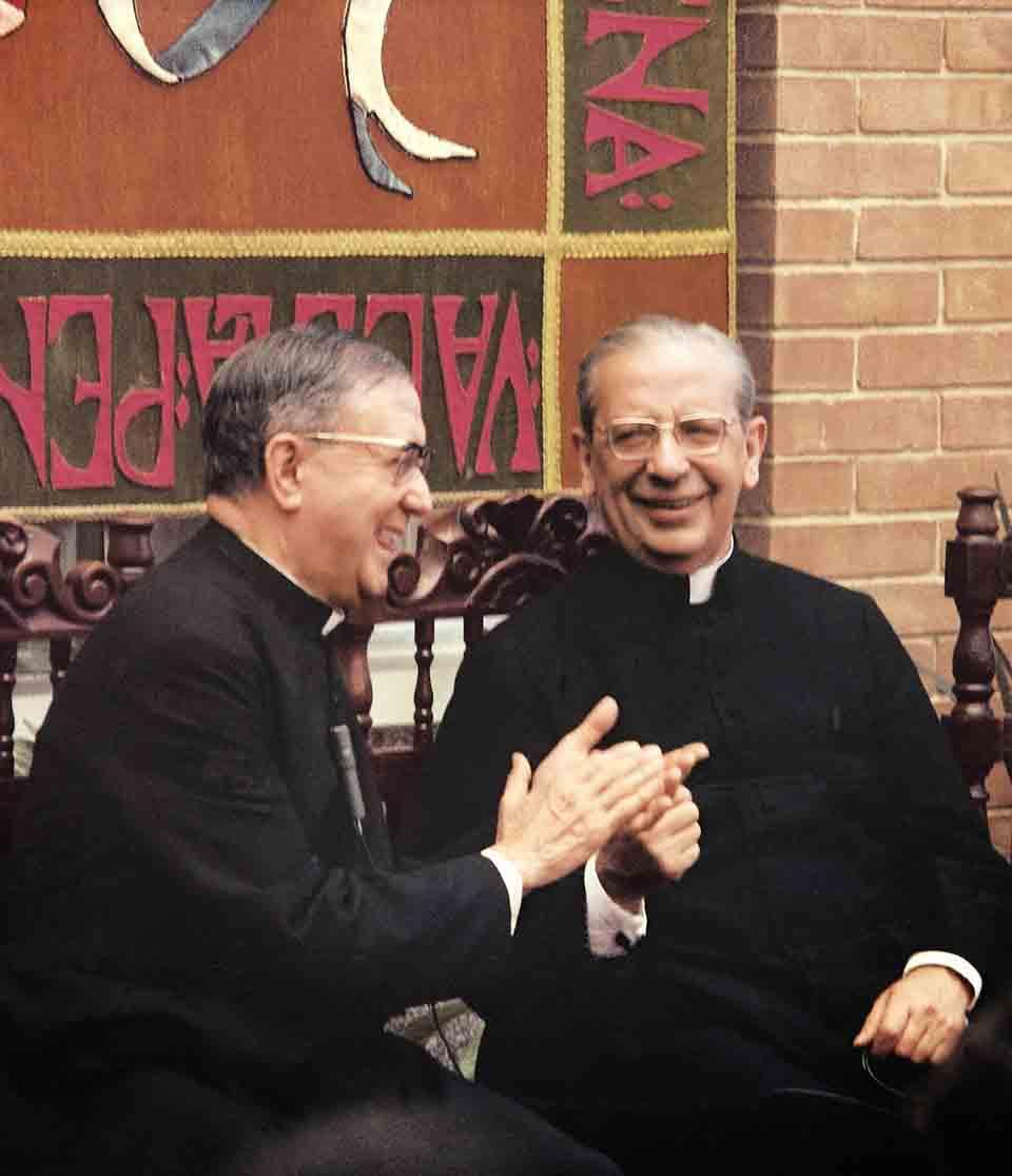 In Guatemala, nel febbraio 1975, Con san Josemaría ,pochi mesi prima della sua morte.