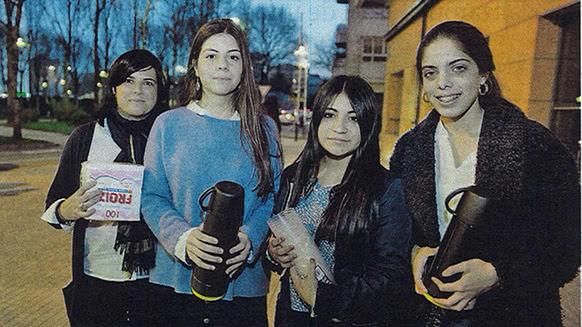 Elena (coordinadora) a carón de Blanca, Andrea e Cristina