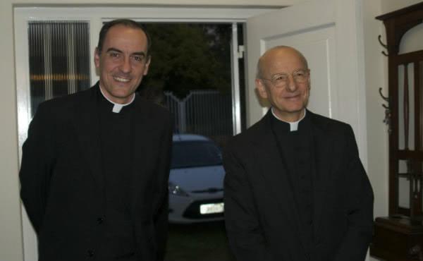 El nuevo Vicario Regional acompañado del actual Prelado Mons. Fernando Ocáriz