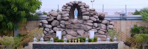 La gruta de Lourdes, en St. May (Dubai). Fotografía cortesía de avosa.org.