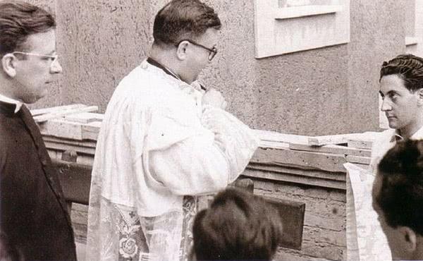 Roma, primeira sede do Colégio Romano da Santa Cruz, 15 de Agosto de 1952.