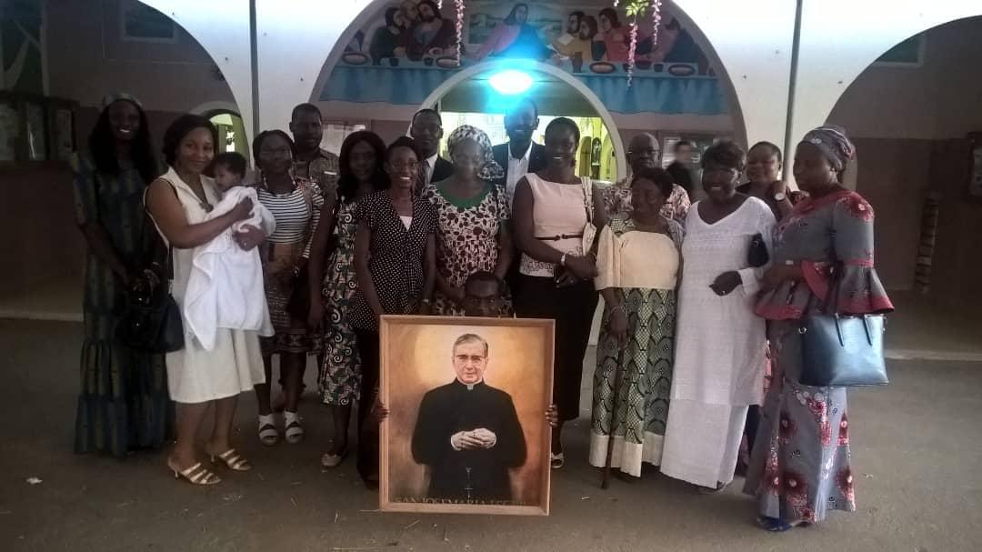 Photo de famille après la messe à Dakar
