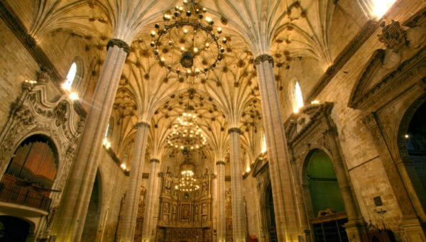 Interior de la Catedral de Barbastro. Foto: rutadesanjosemaria.es
