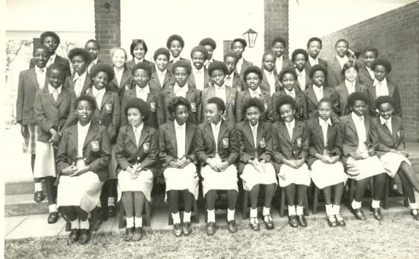First group of high school students in Kianda