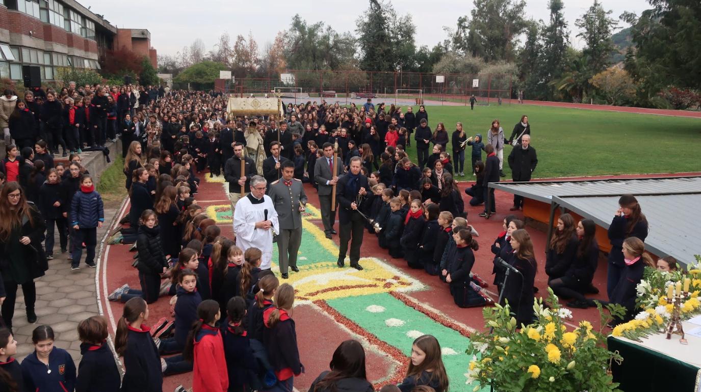 Procesión del Corpus Christi en el Colegio Los Andes