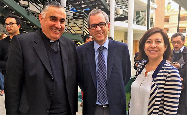 En Temuco, en Iquique y en Santiago se realizaron seminarios para preparar a comunicadores que cubrirán la visita papal