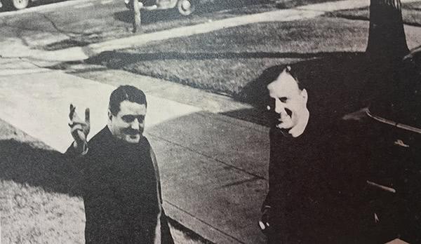 Visita del futuro cardenal John Wright, gran amigo de Father Joseph, en la Woodlawn Residence en 1954.