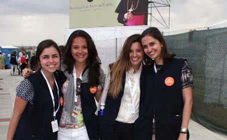 Raquel, Leticia, Maria Tereza e Ana Cecilia, voluntárias brasileiras