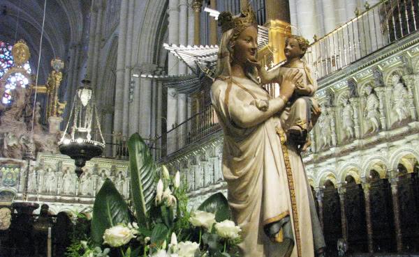 Bílá Madona v Toledské katedrále (Španělsko)