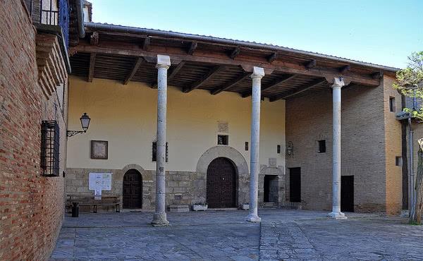 O artigo foi publicado em um livro do Real Monastério de Santa Clara, em Carrión de los Condes (foto).