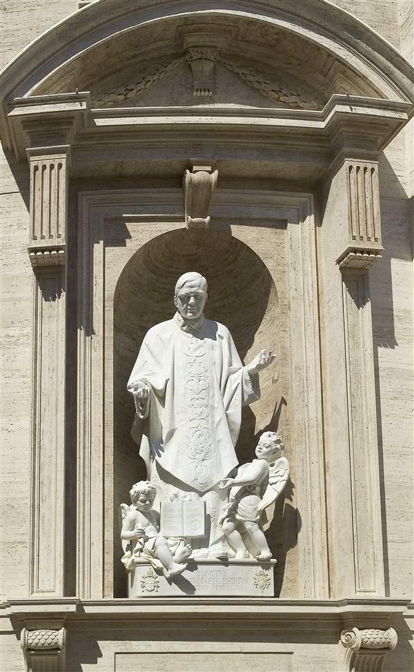 La statue de saint Josémaria qui est vénérée à la Basilique Saint Pierre