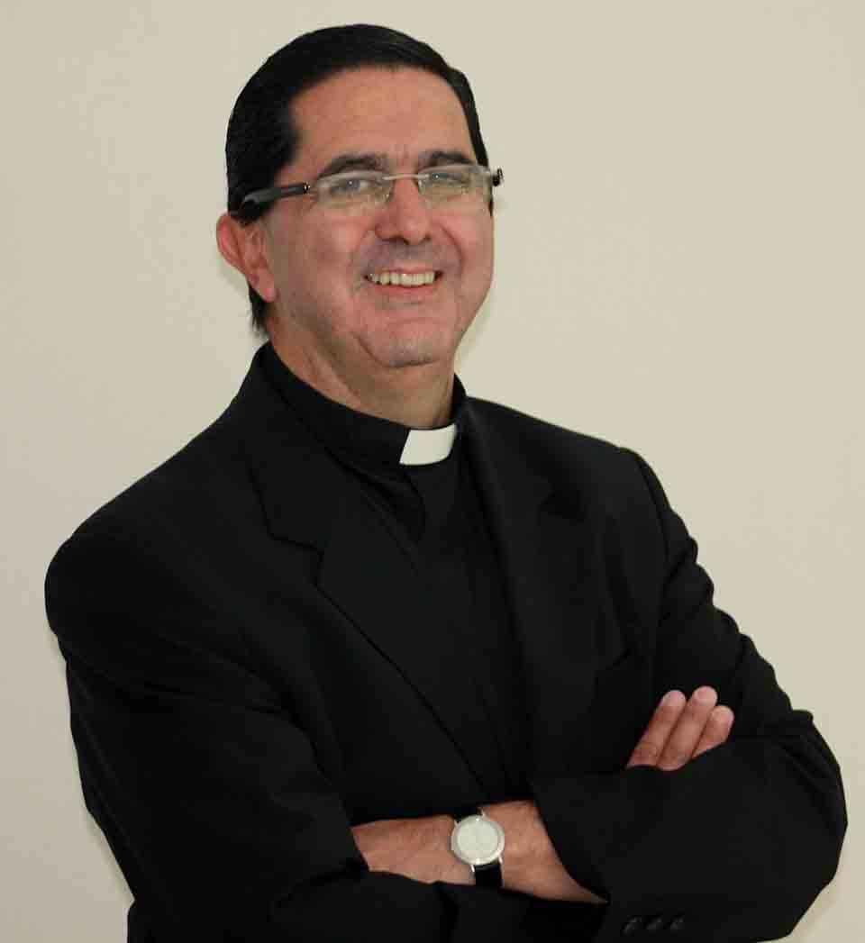 El padre Victor Urrestarazu es el nuevo Vicario Regional de Argentina*