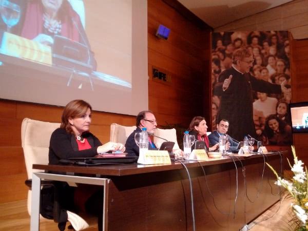 """Un momento del panel """"Convivencia y cambios sociales"""", con Inma Berlanga, Andrés Barbé y Raquel Rodríguez."""