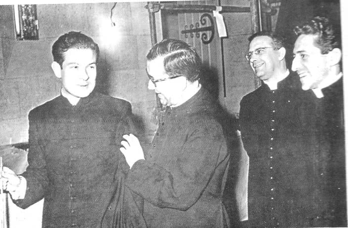 Fr. Gabiola with the Founder in 1958, Rome,  before coming to Kenya