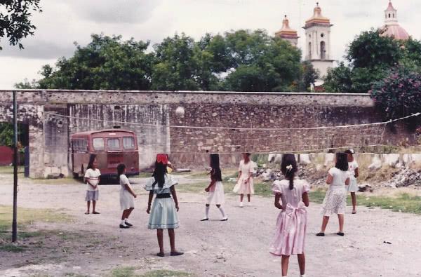 El estado de Morelos contaba en 1950 con 272.842 habitantes. La población mayor de seis años era de 224.489, de los cuales el 40% eran analfabetos.