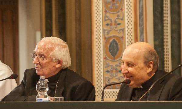 Il cardinal arcivescovo di Valencia, Antonio Cañizares con il prelato dell'Opus Dei, mons. Javier Echevarría.