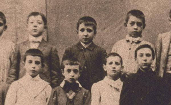 Sant Josepmaria, al mig, un any abans dels primers exàmens a Lleida