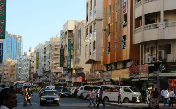 Um bairro humilde de Dubai (fotografia sob licença CC0)