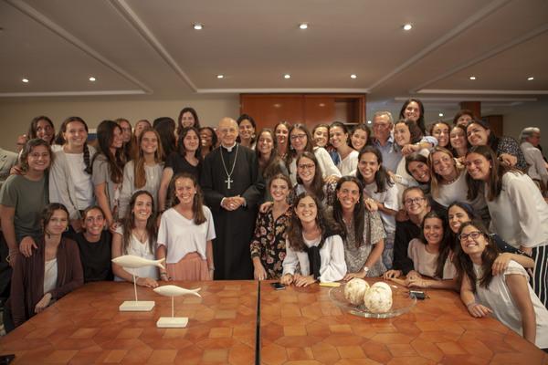 """""""Nos hemos sentido llevadas por la oración de nuestras familias, amigos, de todo el Opus Dei… No sé de donde saco la paz y serenidad, pero noto que es una fuerza que no es mía"""", le contó Cris al prelado"""