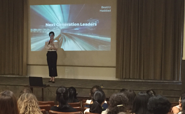Beatriz Haddad, engenheira convidada para palestrar na Conferência de Abertura.