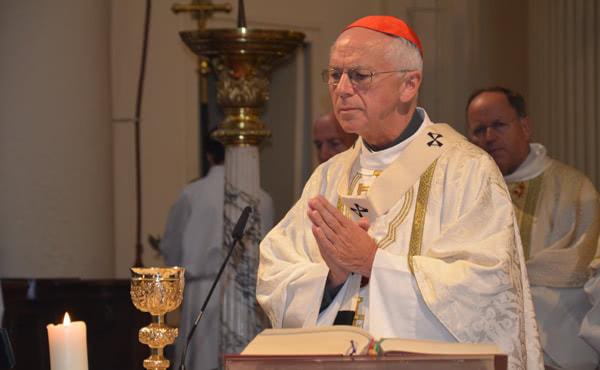 Mgr De Kesel pendant la messe célébrée à Bruxelles