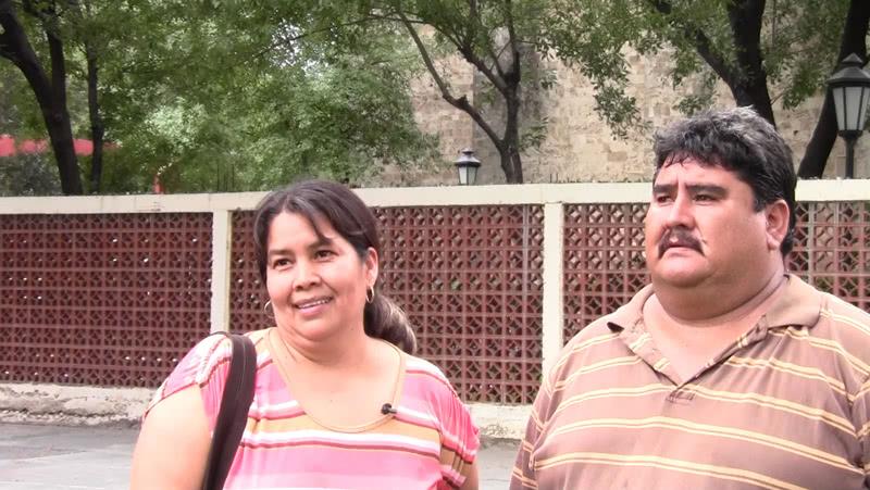 Angélica y Juan, padres de familia, se han beneficiado con los cursos que reciben en la Ciudad de los Niños.