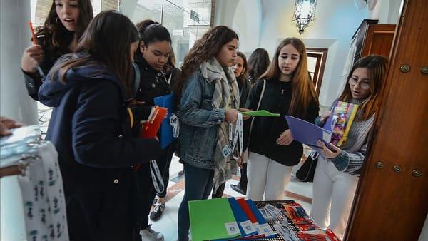 Medio centenar de chicas de entre 14 y 17 años de las provincias de Córdoba y Sevilla han comenzado este programa de emprendimiento creado por jóvenes y para jóvenes