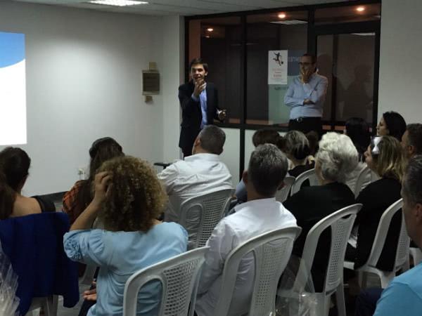 En la presentación a familias de Byblos del nuevo club juvenil que se pone en marcha en esa ciudad.