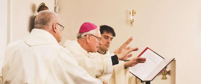 Piispa Teemu Sippo ja isä Marco Pasinato