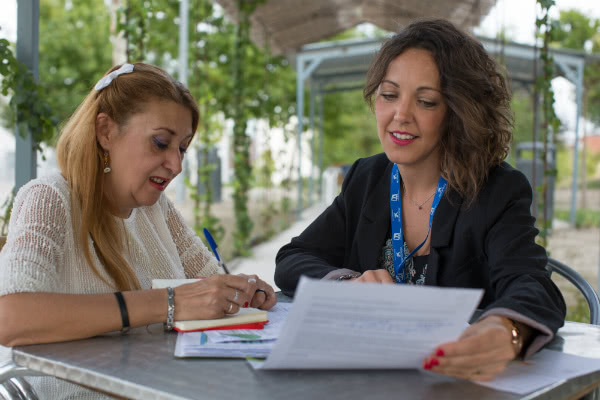 En 2017 se han incorporado cuatro talleres de alfabetización digital, para minimizar la brecha que existe entre estas personas a las que se dirige el programa y el resto de la sociedad. Foto: Ismael Martínez Sánchez.