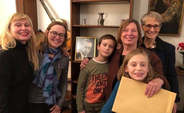 Algunos familiares de Toni en la conmemoración del 30° aniversario de su fallecimiento en la Fundación Limmat