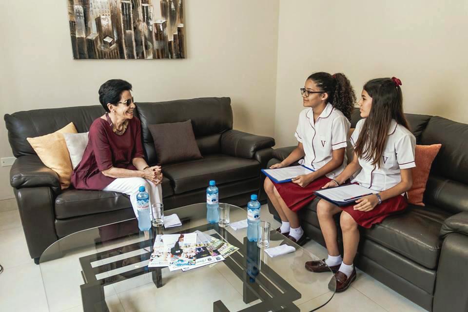 Marga Monforte compartió con alumnas vivencias con Guadalupe