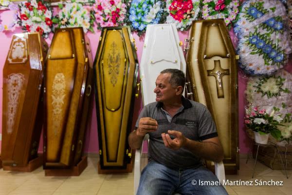A un precio digno y justo AME ofrece la posibilidad de ser dignamente enterrado (Juina, Brasil).