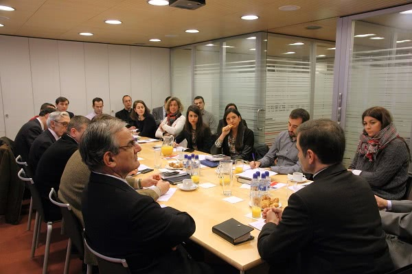 Mons. Jourdan en un desayuno informativo con periodistas.