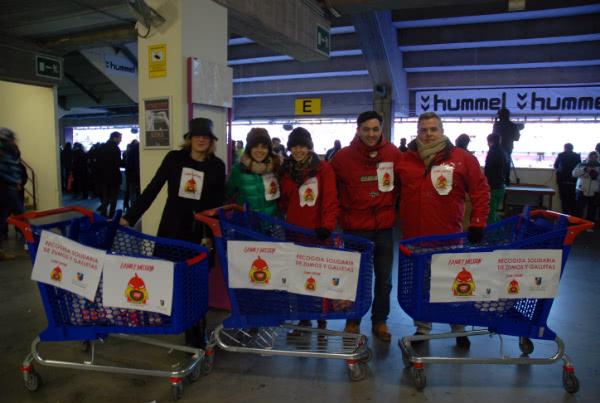 El Real Valladolid nos ofreció la posibilidad de recoger alimentos para Family Mission entre los espectadores de un partido de fútbol e hicieron publicidad los directivos y jugadores.
